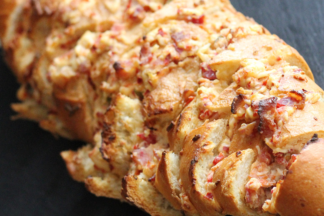 Spicy Red Jalapeño Popper Pull Apart Bread - Wickles Pickles